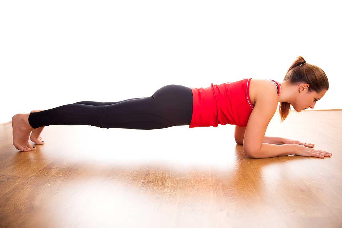 Lady doing plank